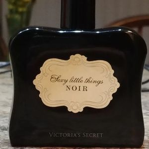 Sexy Little Things Noir